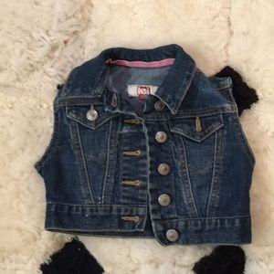 LEI | children's vest sz 4